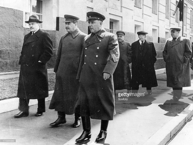 Quyết định sinh tử: Moscow sắp thất thủ, tại sao Stalin không di tản? - Ảnh 1.