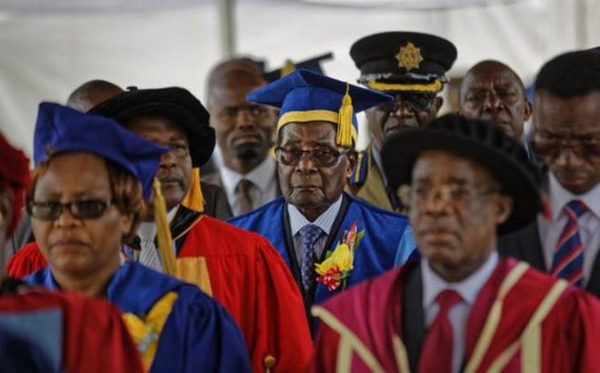 Vì sao quân đội Zimbabwe để Tổng thống Mugabe xuất hiện?