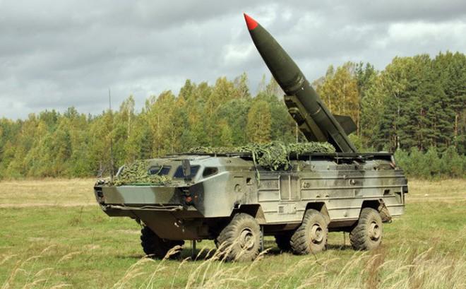 """Quân đội Nga tung clip phô diễn tên lửa """"Dấu chấm hết"""""""