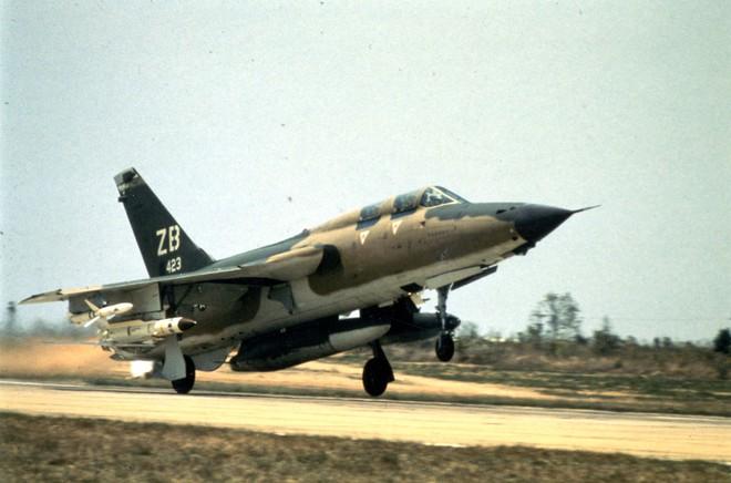 Những trận đấu nghẹt thở của Bộ đội tên lửa Việt Nam với tên lửa Sơrai Mỹ  - Ảnh 1.
