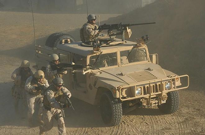 Ảnh: Đặc nhiệm Mỹ thực hành tác chiến cùng các loại vũ khí hiện đại - Ảnh 1.