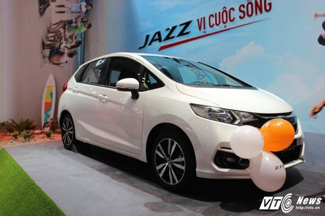 3 mẫu ô tô rẻ bất ngờ đang được người Việt chờ đợi năm 2018 - Ảnh 2.