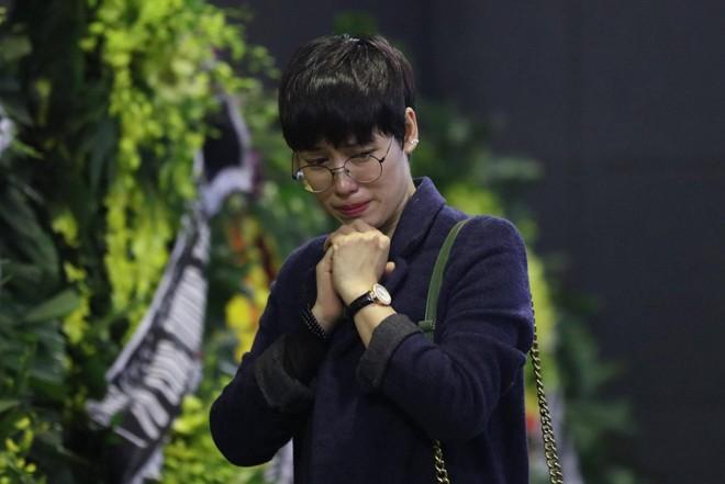Nghẹn ngào lễ tang Thiếu tá phi công Nguyễn Thành Trung hy sinh khi làm nhiệm vụ - Ảnh 8.