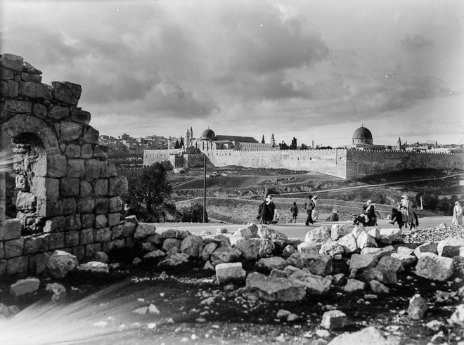 Bức tranh lịch sử Jerusalem về cuộc tranh chấp kéo dài 1000 năm giữa Israel và Palestine - Ảnh 1.