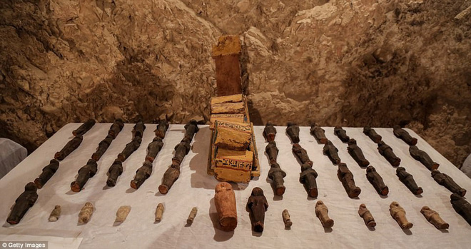 Phát hiện xác ướp hoàn hảo cùng kho báu khổng lồ trong mộ cổ 3.500 năm ở Ai Cập - Ảnh 5.