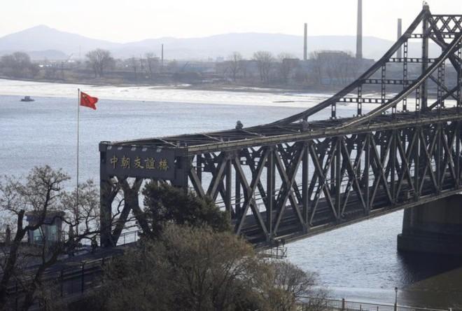 Công ty Trung Quốc để lộ tin đang xây trại tị nạn gần Triều Tiên - Ảnh 2.