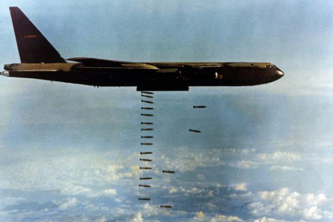 Phi công B-52 Mỹ thốt lên trong 12 ngày đêm: Thật là khủng khiếp! - Ảnh 1.