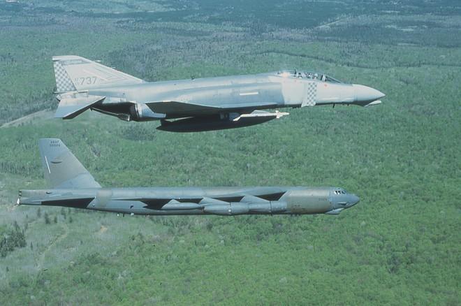 B-52 tinh vi, nham hiểm vẫn sấp mặt bởi tên lửa VN: Điều Mỹ lo sợ nhất đã xảy ra - Ảnh 1.