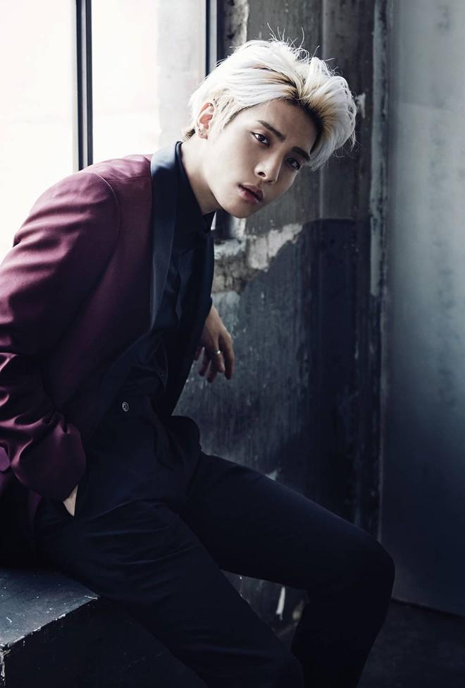 Showbiz châu Á bàng hoàng trước thông tin Jonghyun (SHINee) tự tử - Ảnh 1.