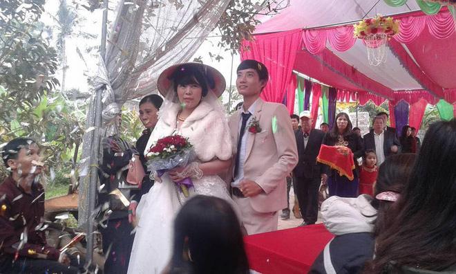 Đám cưới hạnh phúc của cặp đôi chồng kém vợ 2 giáp sau hơn 3 năm hẹn hò - Ảnh 2.