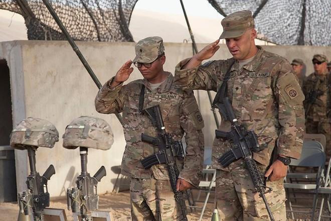 Những khoảnh khắc xúc động trong đời binh nghiệp của binh sĩ Mỹ - Ảnh 7.