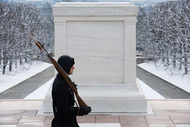 Những khoảnh khắc xúc động trong đời binh nghiệp của binh sĩ Mỹ - Ảnh 14.