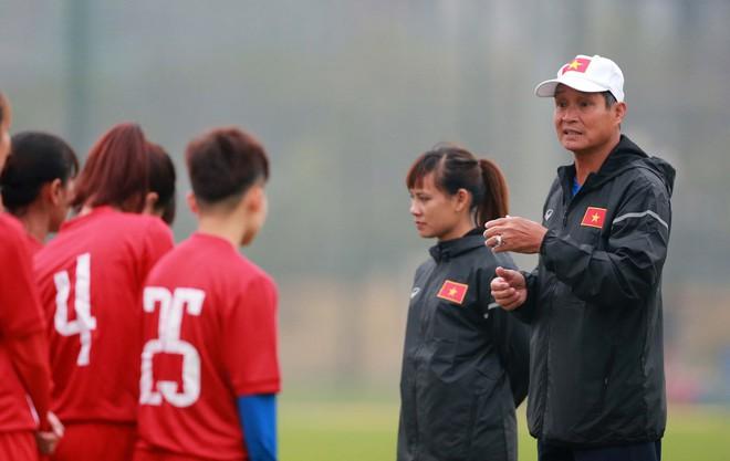 Chuẩn bị VCK Asian Cúp nữ 2018, thầy trò Mai Đức Chung tập trung sớm - Ảnh 1.