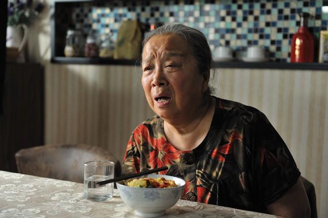 """""""Dung Ma Ma"""" của Hoàn Châu Cách Cách sau 20 năm: Tuổi già cô đơn, không chồng con - Ảnh 5"""