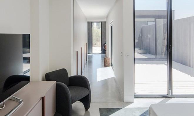 Ngôi nhà xinh đẹp lấy cảm hứng từ bản vẽ của một đứa trẻ - Ảnh 11.