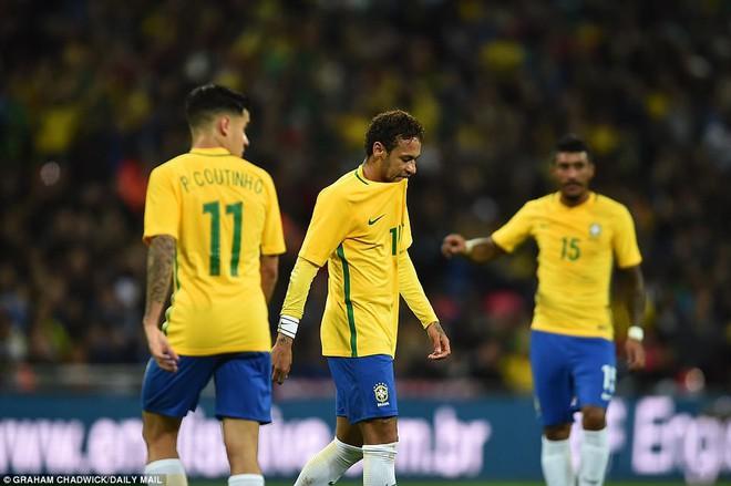 Neymar bất lực, Brazil hòa không bàn thắng với Anh trên sân Wembley - Ảnh 13.