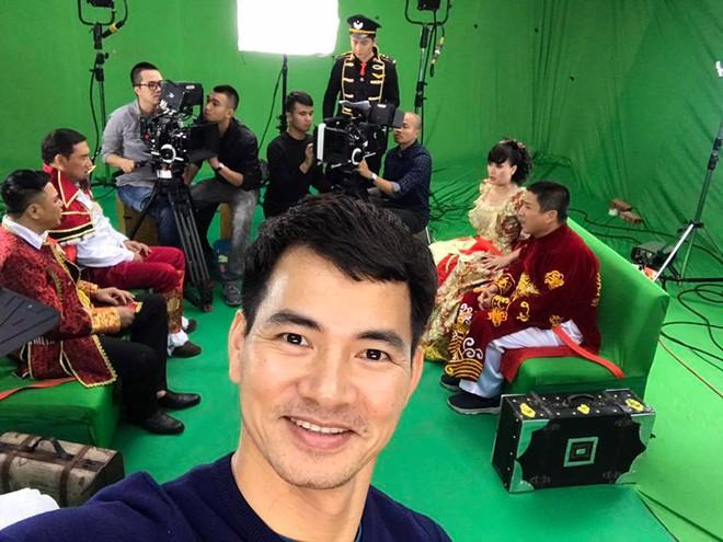 Vân Dung diêm dúa, Quang Thắng - Tự Long mặc trang phục độc lạ tập Táo quân 2017 - Ảnh 4.