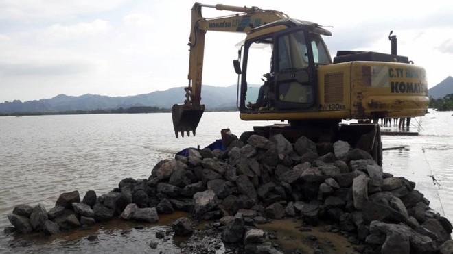 Hình ảnh nước ngập trắng vùng sau sự cố vỡ đê ở Hà Nội - Ảnh 12.
