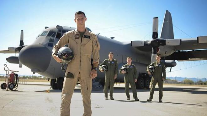 Cận cảnh 12 chiến đấu cơ bay nhanh nhất trong lịch sử quân đội Mỹ - Ảnh 13.