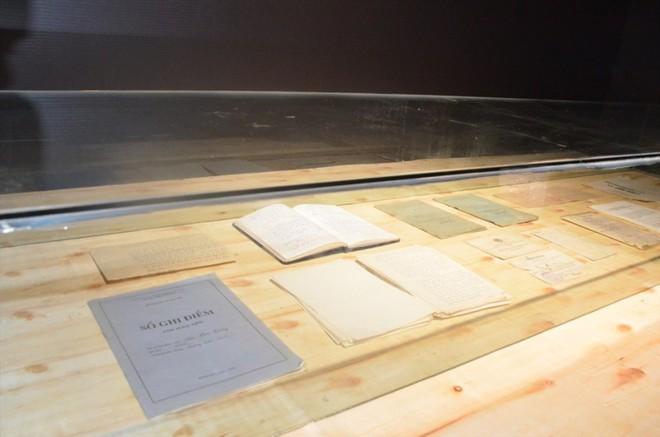 """Hàng vạn hạc giấy """"yêu thương"""" và lễ tri ân đầy dấu ấn về thầy Văn Như Cương - Ảnh 14."""