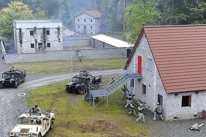 Ảnh: Đặc nhiệm Mỹ thực hành tác chiến cùng các loại vũ khí hiện đại - Ảnh 15.