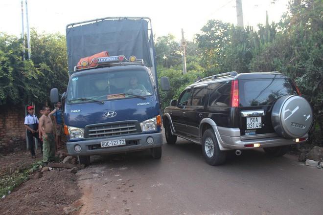 Xe né trạm BOT Biên Hòa, kẹt xe kinh khủng trong đường làng - Ảnh 14.