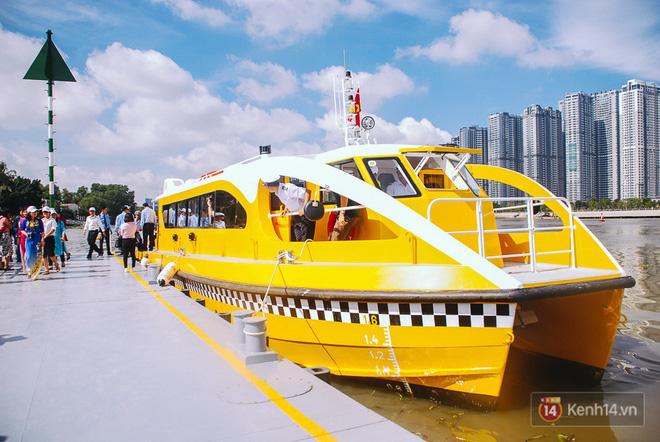 Cận cảnh bến buýt đường sông hiện đại như ở nước ngoài nằm ngay trung tâm Sài Gòn - Ảnh 16.