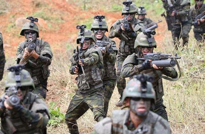 Ảnh hiếm đặc nhiệm Triều Tiên tập trận đổ bộ chiếm đảo - Ảnh 19.