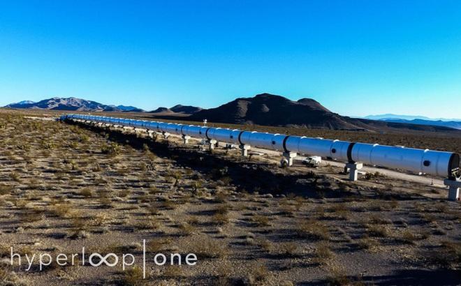 Ngắm nhìn đường tàu Hyperloop thử nghiệm tại sa mạc Nevada