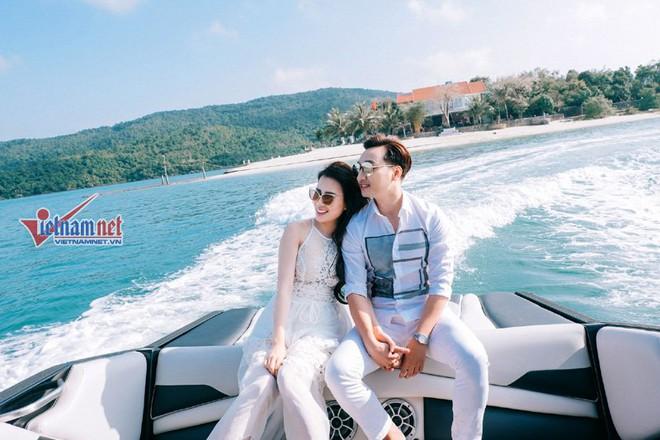 Ảnh cưới lãng mạn trên du thuyền của MC Thành Trung và hotgirl 9x - Ảnh 3.
