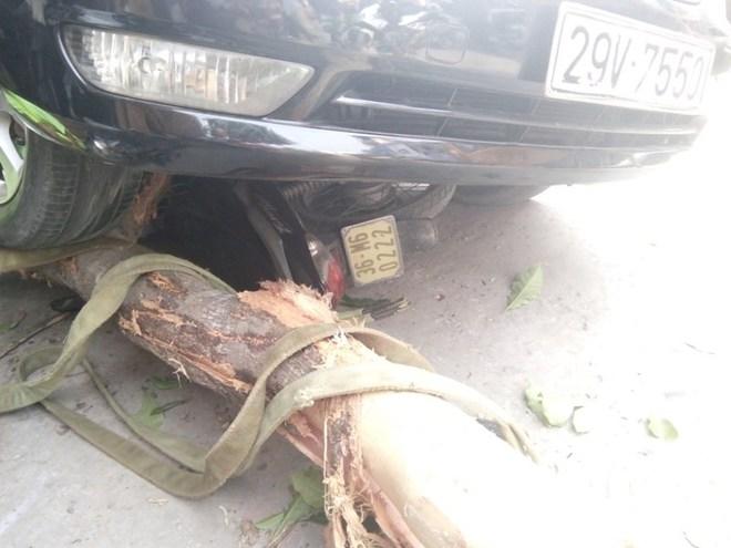 Camry đâm Lexus gây tai nạn liên hoàn, 1 phụ nữ bị cuốn vào gầm - Ảnh 2.