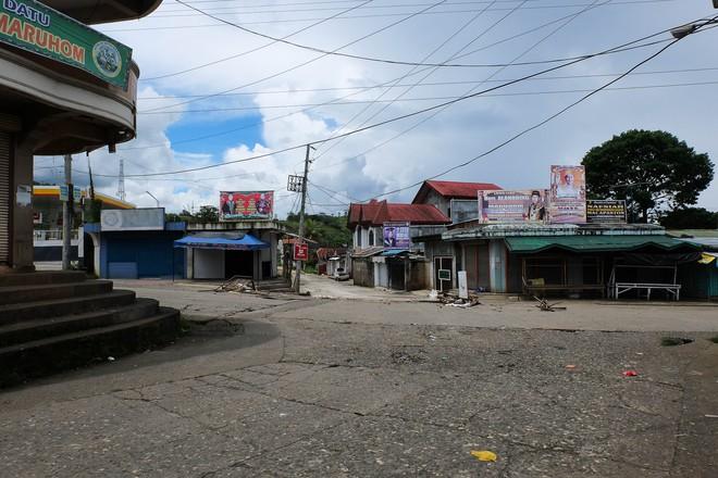 Những hình ảnh đầu tiên từ thành phố ma Marawi, nơi bị IS chiếm đóng ở Philippines - Ảnh 3.