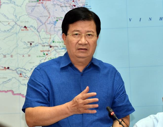 Phó Thủ tướng Trịnh Đình Dũng họp khẩn, thị sát việc xả lũ - Ảnh 2.