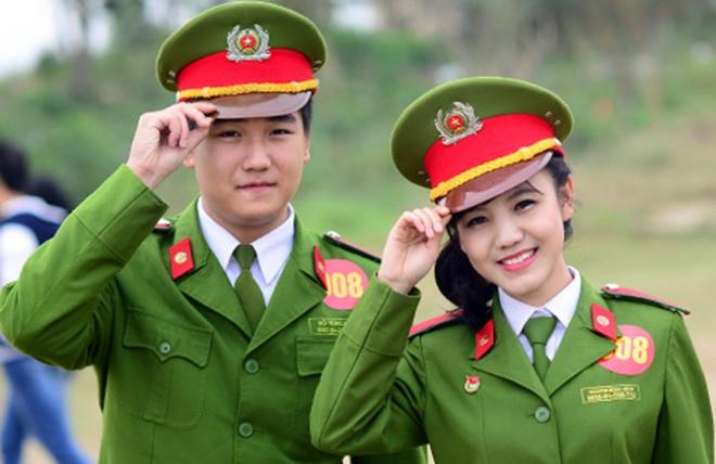Điểm chuẩn trường công an, quân đội cao kỷ lục: Mừng thì ít, đáng lo thì nhiều - Ảnh 3.