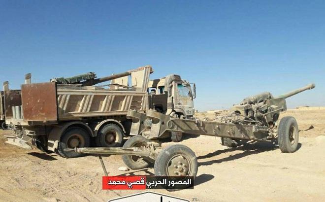 """QĐ Syria """"trúng độc đắc"""": Tóm gọn kho vũ khí lớn chưa từng thấy của IS"""