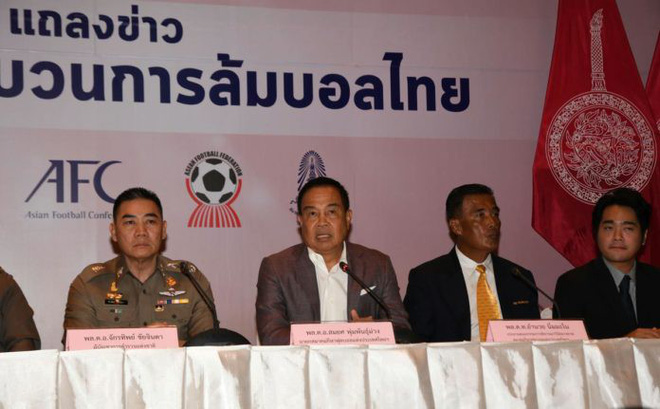 Trọng tài trận Hà Nội – Quảng Nam bị bắt vì liên quan đến dàn xếp tỷ số - Ảnh 2.