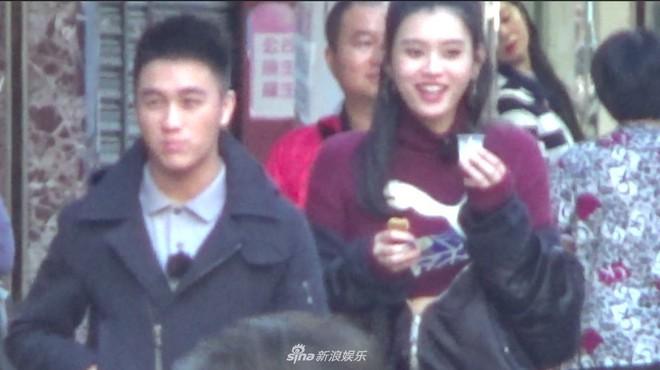 Tiết lộ clip hot: Ming Xi òa khóc nức nở sau hậu trường Victorias Secret vì cú ngã sấp mặt - Ảnh 5.