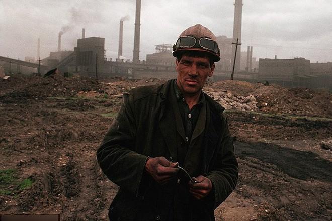 Hình ảnh buồn về siêu cường Liên Xô trước khi sụp đổ - Ảnh 23.