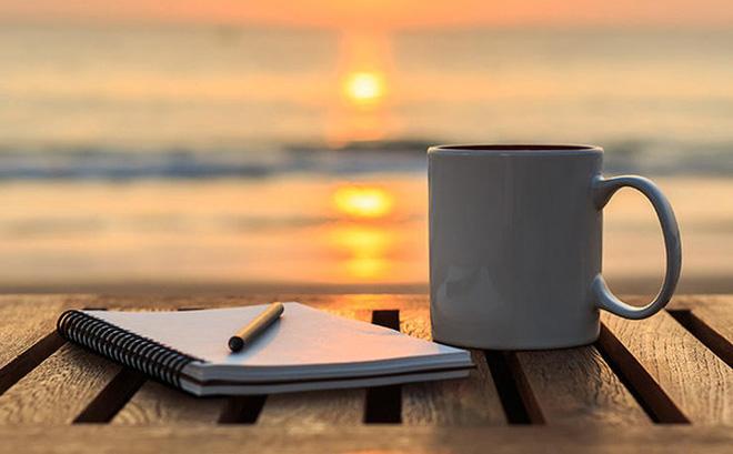 Những thời điểm và thói quen uống cà phê gây hại nhiều hơn là có lợi