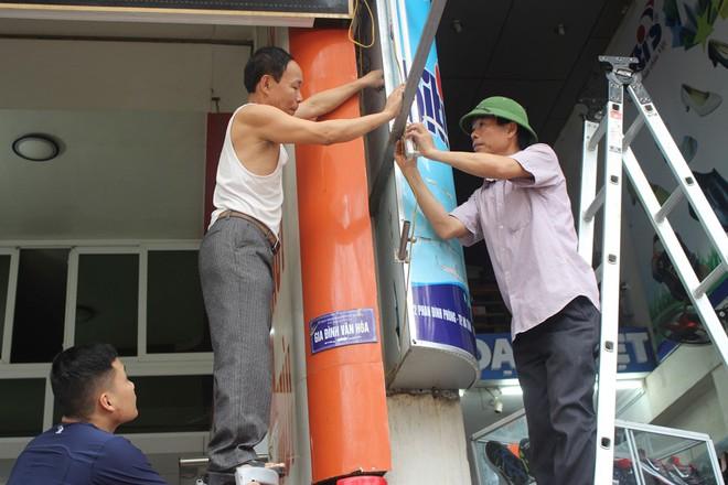 Nhà mặt phố ở Hà Tĩnh ủng hộ dọn dẹp vỉa hè - Ảnh 4.