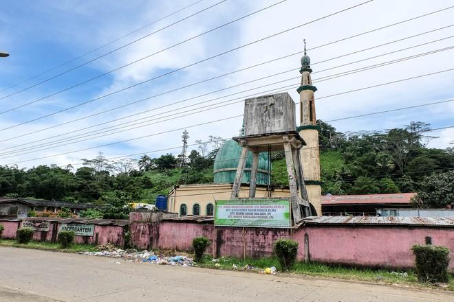 Những hình ảnh đầu tiên từ thành phố ma Marawi, nơi bị IS chiếm đóng ở Philippines - Ảnh 4.