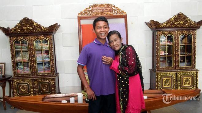 Chia sẻ khiến ai cũng giật mình về đêm tân hôn của chàng trai 16 tuổi cưới cụ bà 71 tuổi - Ảnh 4.