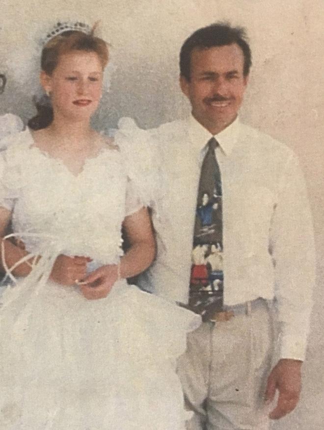 Kinh hoàng: Cô bé bị cha dượng bắt cóc và hãm hiếp suốt 20 năm, sinh 9 đứa con - Ảnh 3.