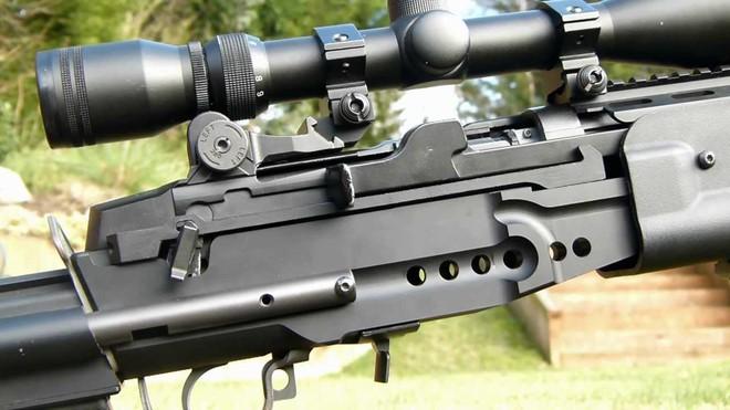 Mk 14 EBR – Khẩu súng xóa nhòa ranh giới giữa súng trường tấn công và súng bắn tỉa - Ảnh 4.