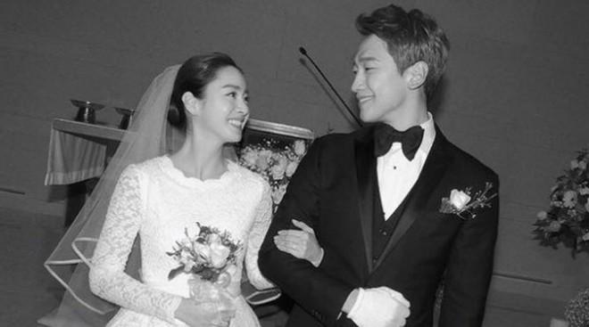 Không chỉ về nhà đúng giờ, Bi Rain thường xuyên vào bếp nấu ăn cho vợ bầu Kim Tae Hee  - Ảnh 4.