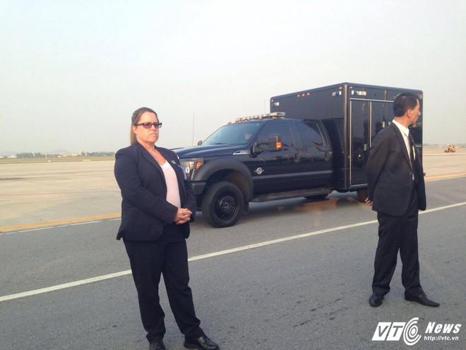 Chiếc xe trông rất bình thường nhưng cực kỳ quan trọng trong đoàn hộ tống Tổng thống Mỹ - Ảnh 4.
