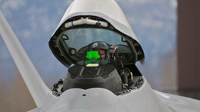 Cận cảnh 12 chiến đấu cơ bay nhanh nhất trong lịch sử quân đội Mỹ - Ảnh 4.