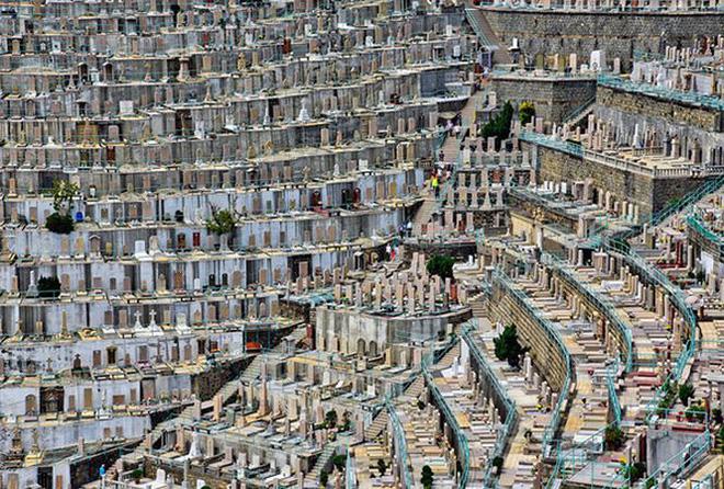 Những nghĩa trang đồ sộ vươn cao như những tòa cao ốc   - Ảnh 5.