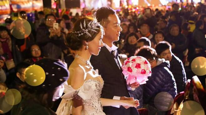 Dựng tới 600 bàn cỗ trên đường, đám cưới ở Đài Loan khiến cư dân mạng sửng sốt vì chơi sang - Ảnh 4.