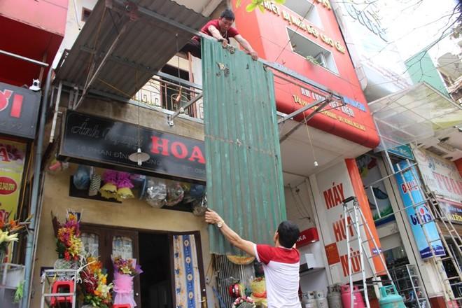 Nhà mặt phố ở Hà Tĩnh ủng hộ dọn dẹp vỉa hè - Ảnh 5.